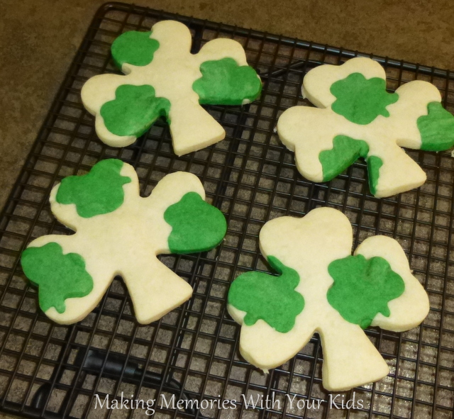 Clover shortbread st patricks day party supplies decorations