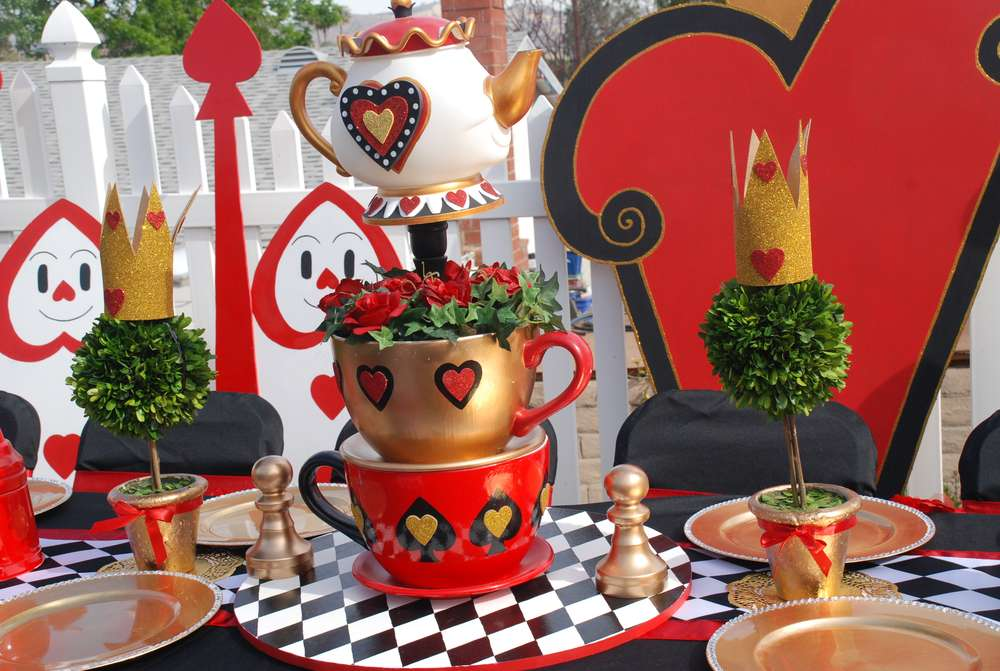Popular christmas table decorations on pinterest all about christmas - Wonderful Wonderland The Party People Online Magazine