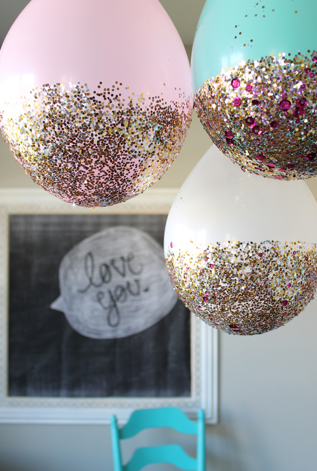 how to make glitter dipped balloons as party decorations